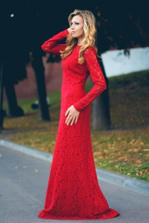 Red Lace Long Evening Dress