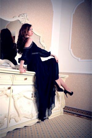 Вечернее платье черное в камнях прокат FreshDress камни