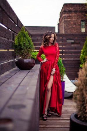 Red Silk Elegance Evening Dress