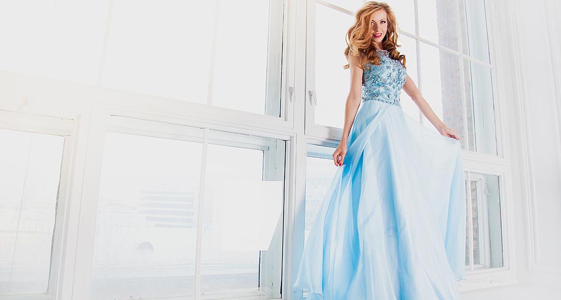 Более 350 вечерних платьев в двух городах